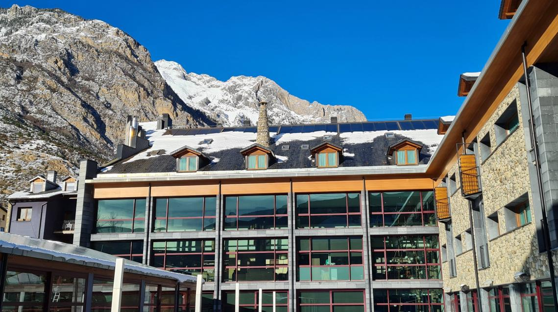 Hotel with indoor swimming pool in Benasque