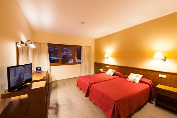 Double room with additional bed (3 adults)