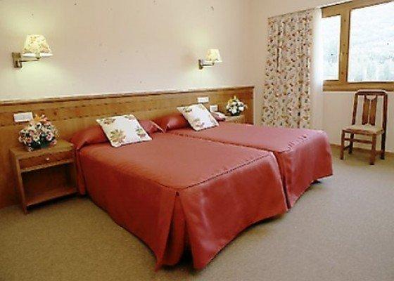 Chambre double avec lit supplémentaire (2 ad + 1 n)